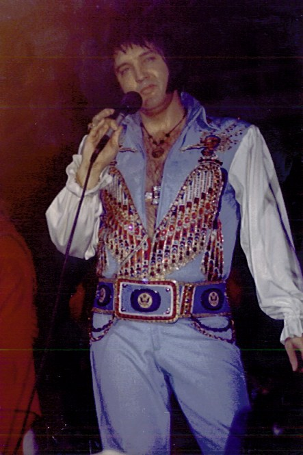 [IMG]http://www.elvisconcerts.com/pictures/s76090413.jpg[/IMG]